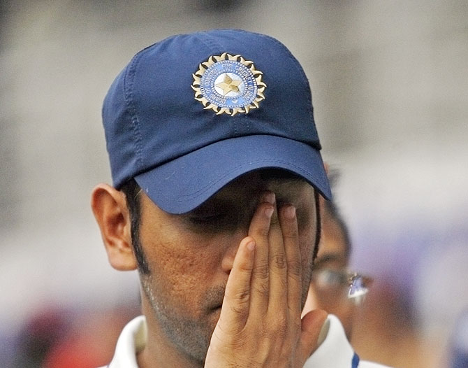 MS Dhoni: worst test captain