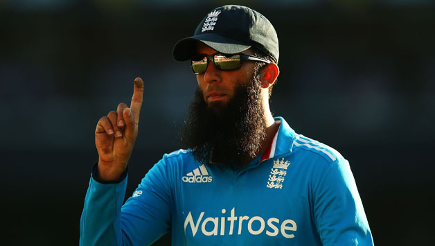Moeen-Ali-of-England-motions-to-fans1