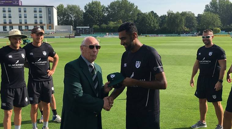 Ravichandran Ashwin receiving his Cap from Worcestershire CCC President Norman Gifford. (Source: Twitter)