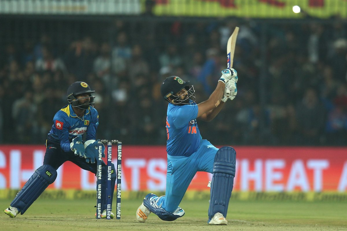 5 Batsmen Who Have Smashed Three Consecutive Sixes 6,6,6 Most Number Of  Times
