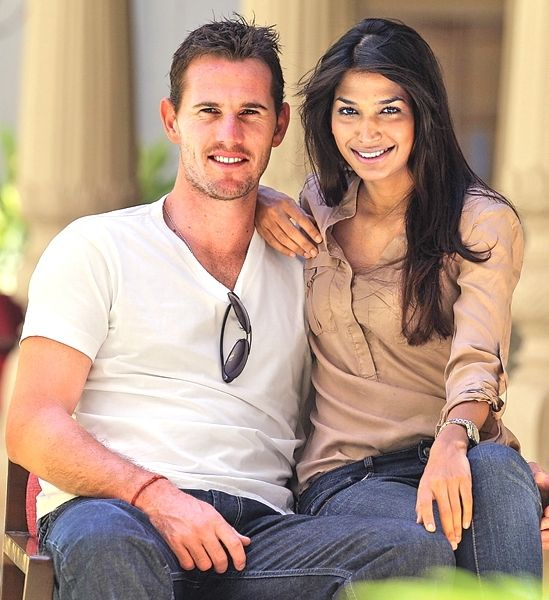Shaun-Tait-with-his-wife