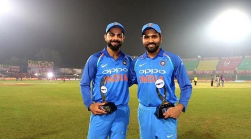 Rohit-Sharma-wishes-Virat-Kohli (1)